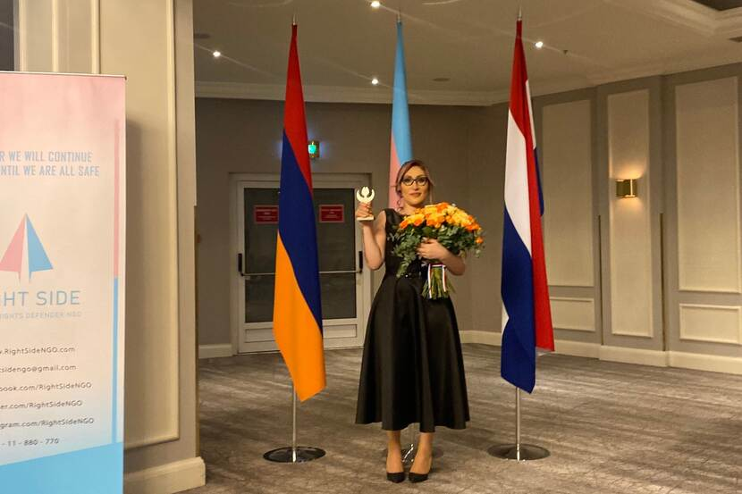 Lilit Martirosyan shows the Human Rights Tulip 2020.